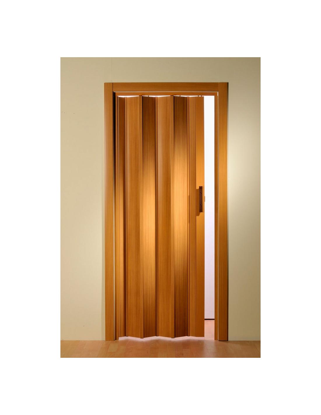 Cucine moderne lineari - Porta a soffietto in vetro ...